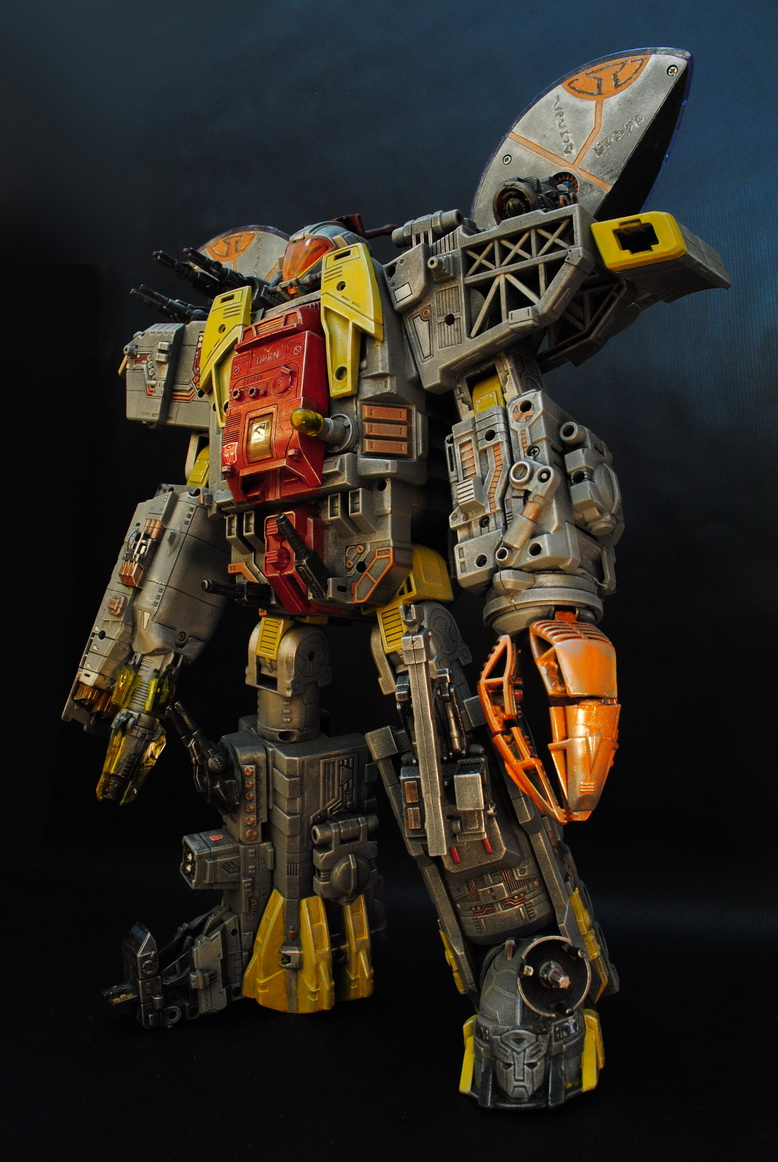 My destiny is the ocean of stars  ----  Masterpiece Omega Supreme by uuser-02.jpg