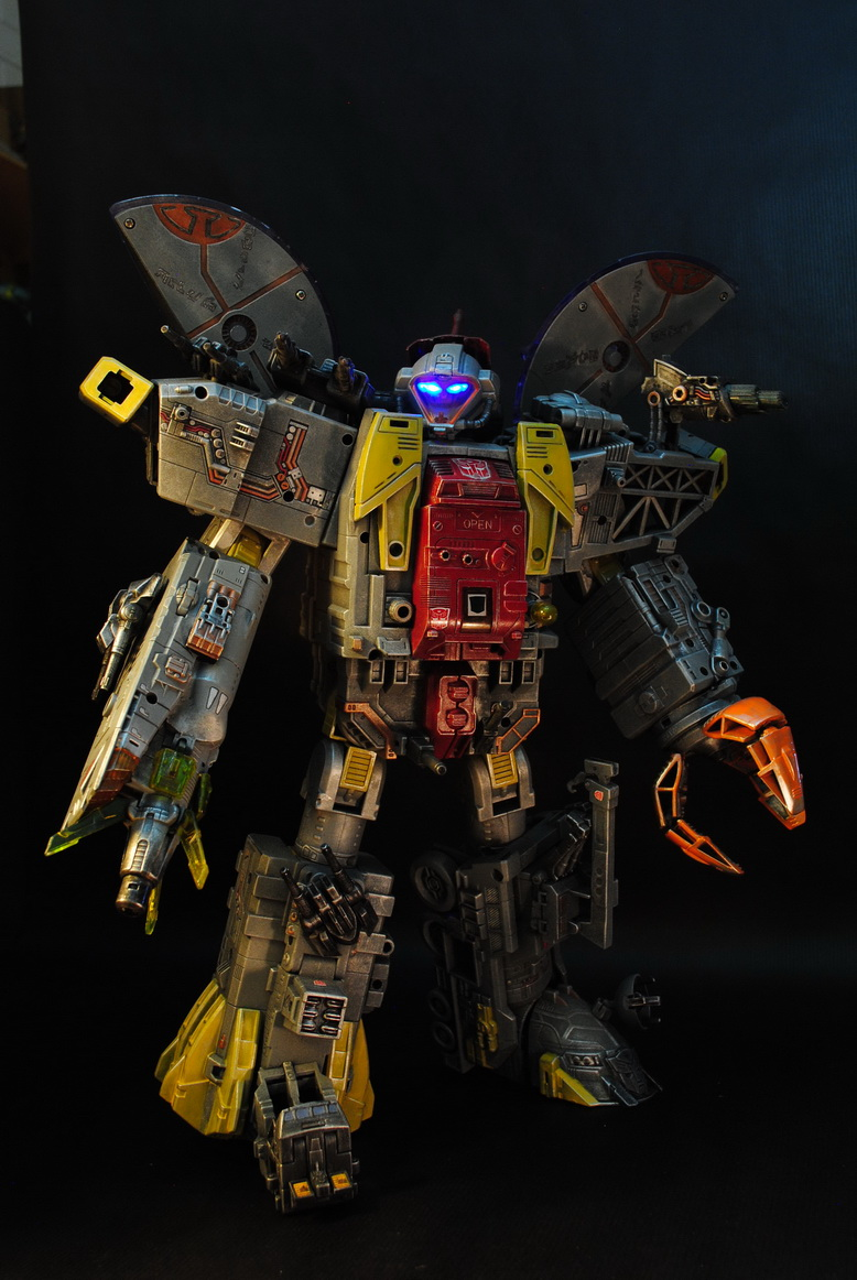 My destiny is the ocean of stars  ----  Masterpiece Omega Supreme by uuser-06.jpg