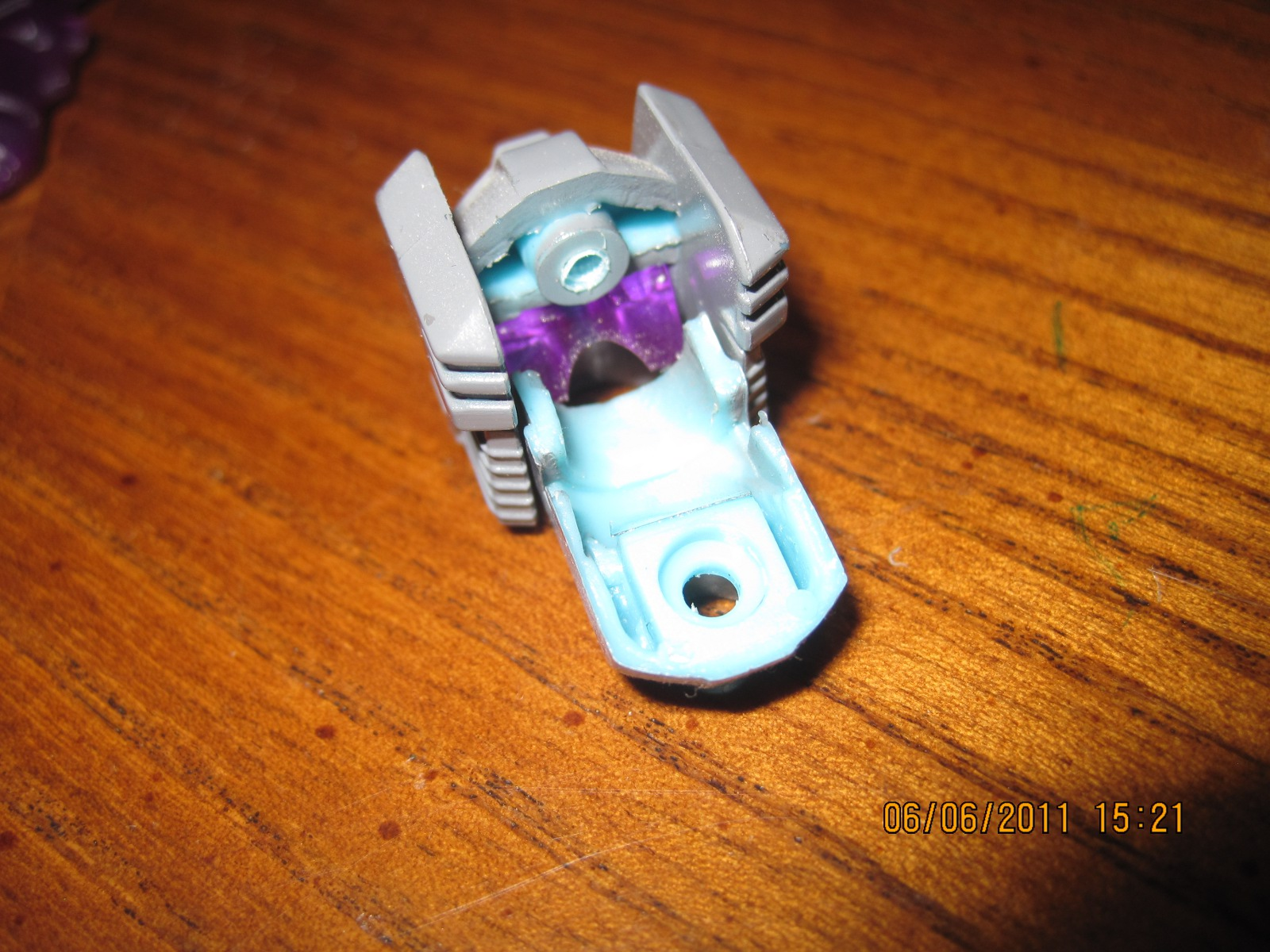 renderForm RF-005S Special Edition Darkwind Upgrade Kit-06-rf-005s-review-remove-head-2.jpg
