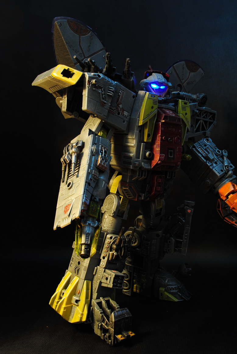 My destiny is the ocean of stars  ----  Masterpiece Omega Supreme by uuser-08.jpg