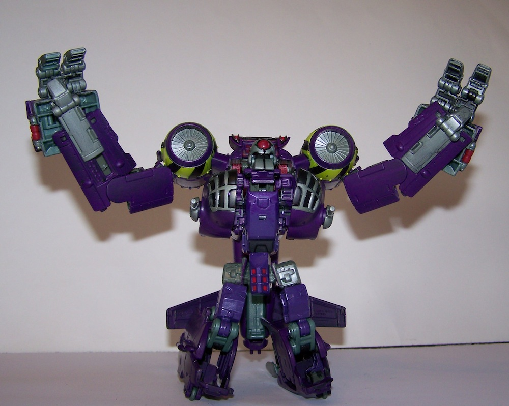 Lugnut in his GLORIOUS real colours!-100_0475.jpg