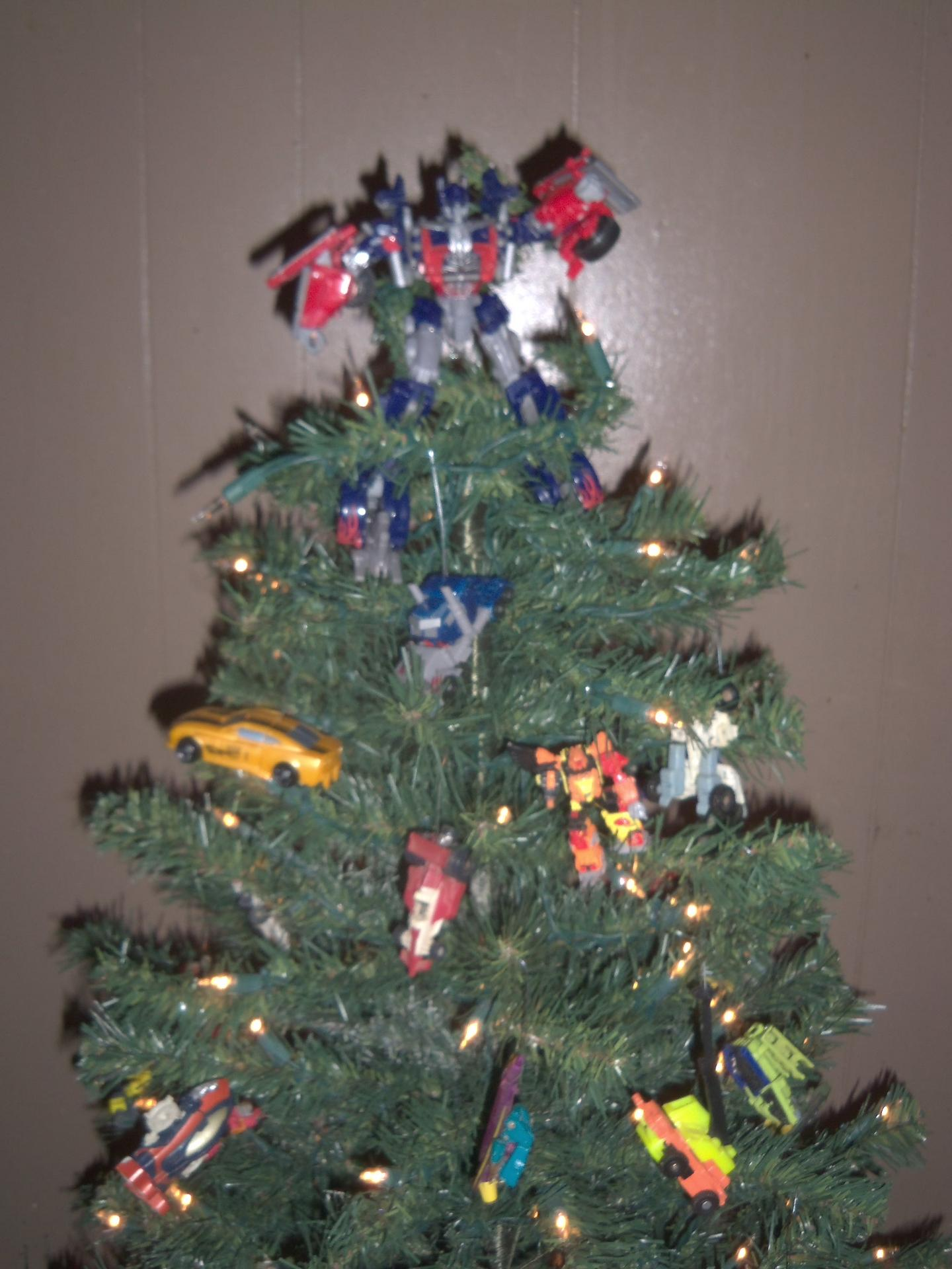 Transformers Christmas Tree | TFW2005 - The 2005 Boards