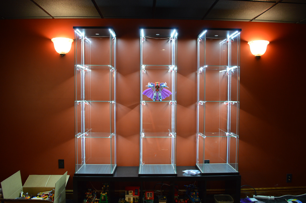 detolf cabinet lighting 3
