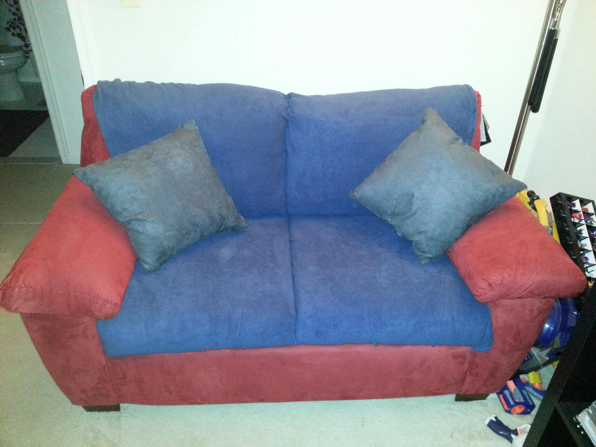 Optimus Prime...Couch?-20130106_203634.jpg