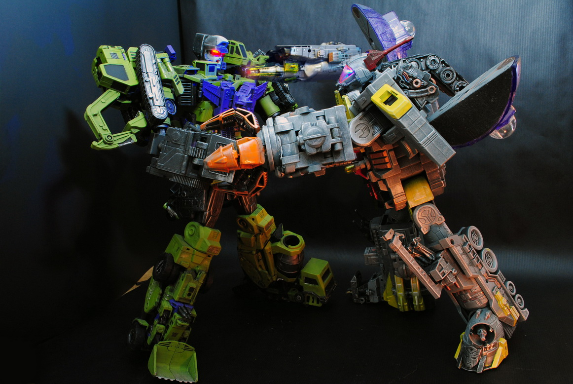 My destiny is the ocean of stars  ----  Masterpiece Omega Supreme by uuser-22.jpg