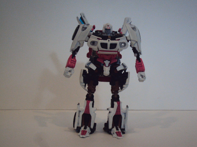 Human Alliance Jazz Arm Modification (Using Alternators Skids Arms)-27284685d1331578411-looks-always-deceiving-arcee-046.jpg