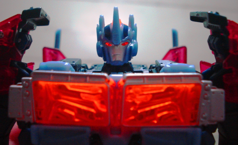 TFP Voyager Dark Energon Optimus Prime On-hand Pics-3.jpg