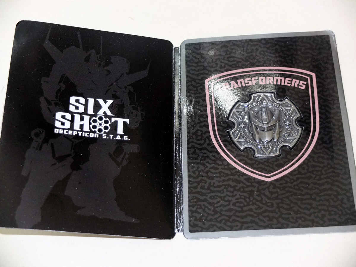 Re-Issued Sixshot in-hand photos and.....fan art used on official package???-64748765201108121934361631795018215_018.jpg