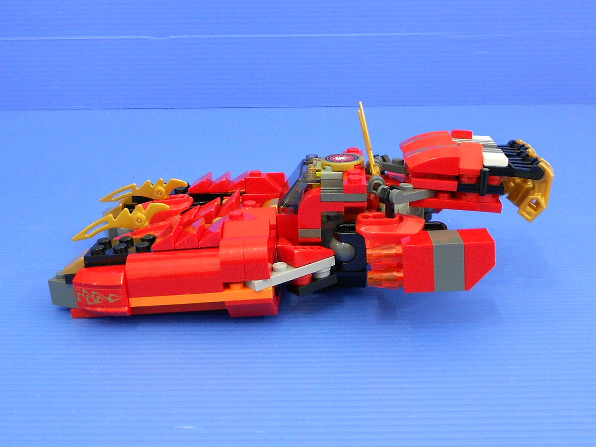 LEGO Kai Rotormech:- alternate design for Ninjago Kai Fire Mech & Creator Red Rotors-a3804.jpg