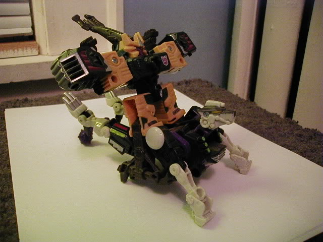 Terrorcon Combiner You Can Make-bodya.jpg