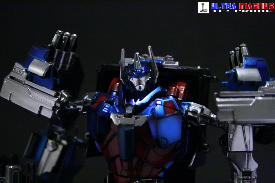 TF: Prime Ultra Magnus (metallic version)-bot-8.jpg