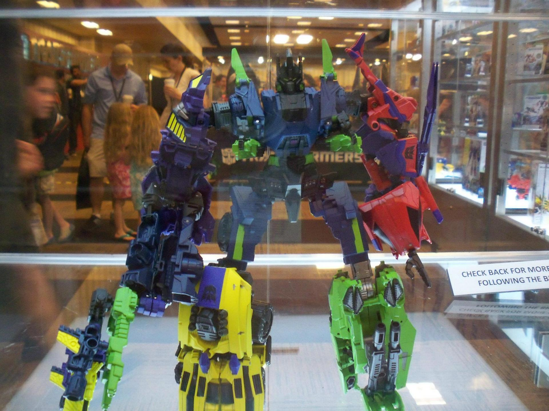 FOC Bruticus gets Amazon exclusive box set.-bruticus.jpg