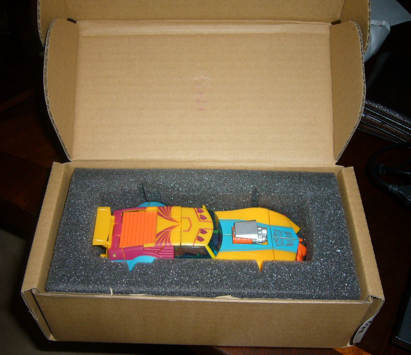HUGE Collection Sale: Botcon, TFCC, Exclusives, G1, Universe, Classics and MORE-clubsubcircuit1.jpg