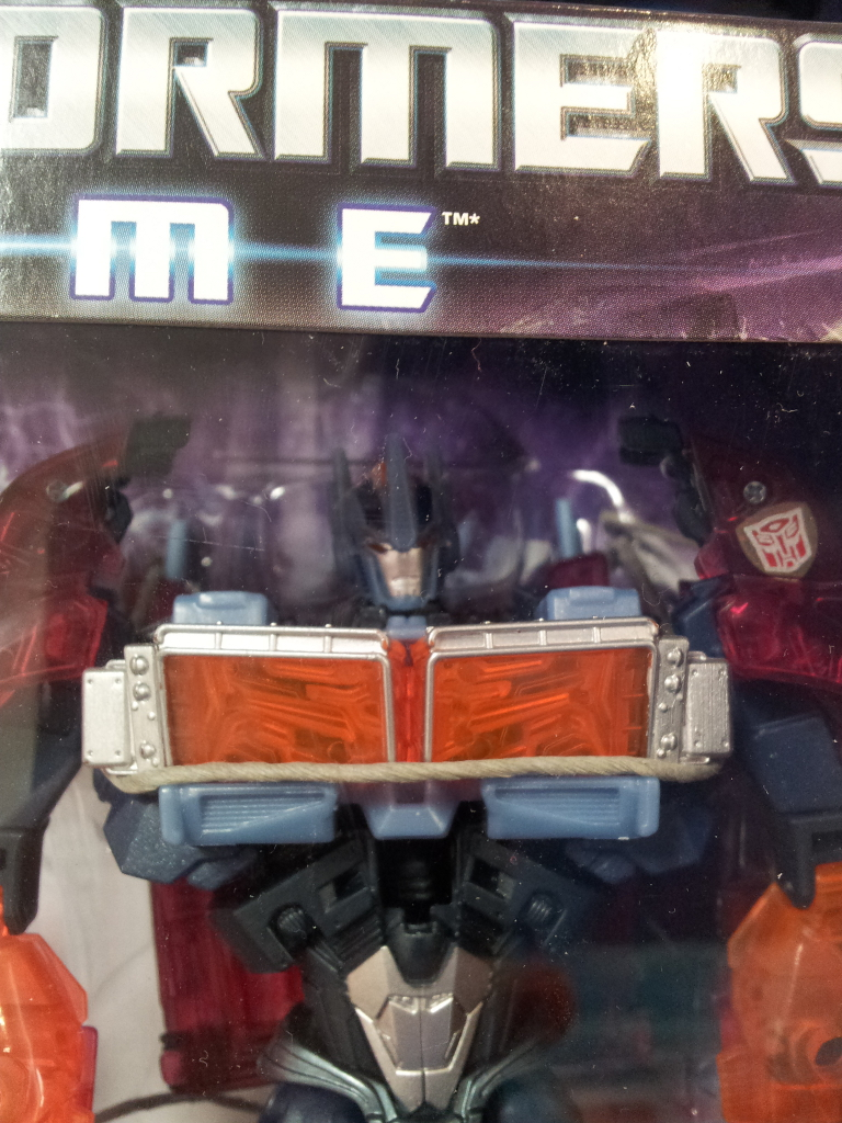 Dark Energon Voyagers sighted in Singapore retail-de_op_face.jpg