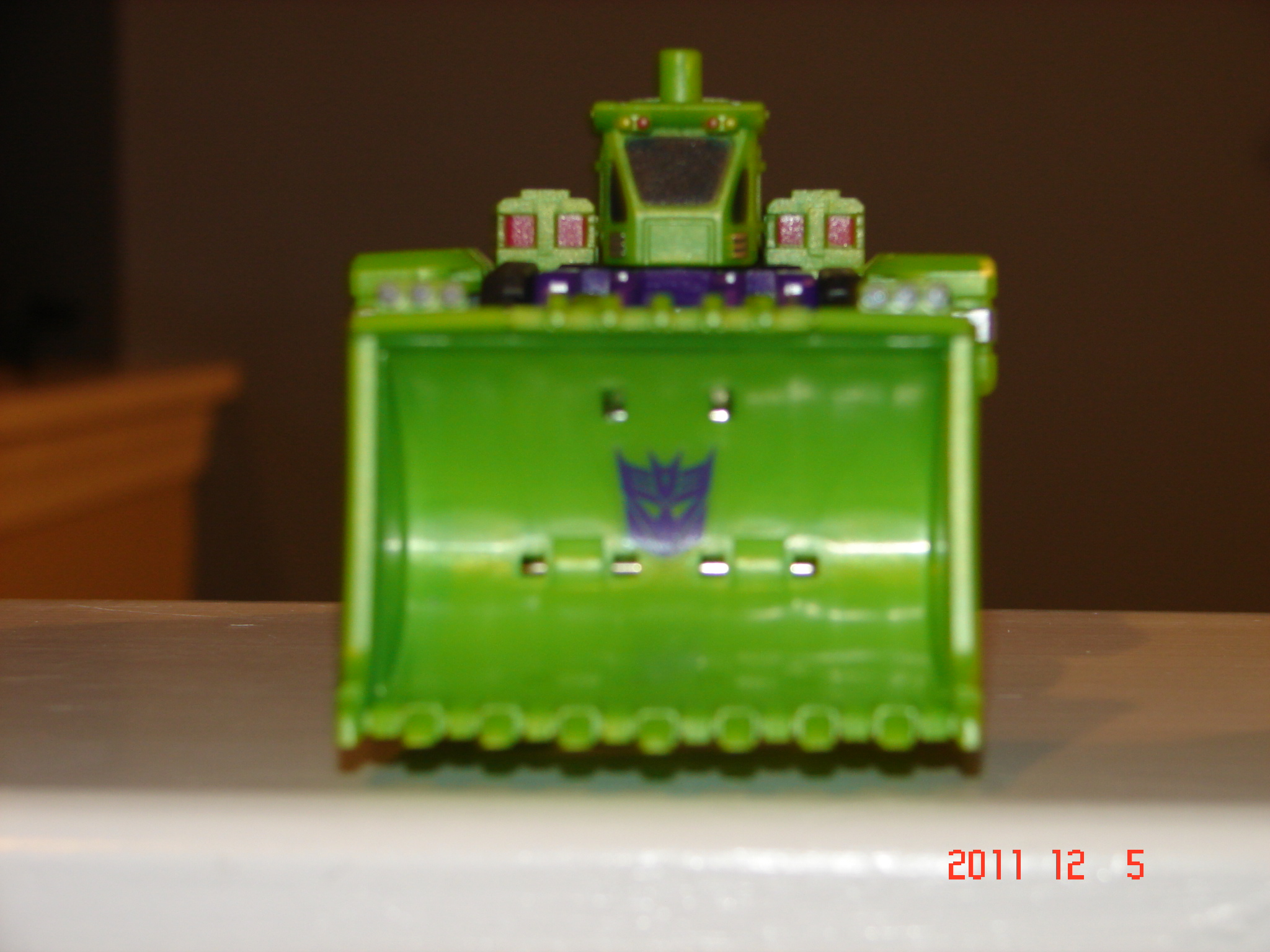 TFC Toys Structor in hand picture review!-dsc07116.jpg