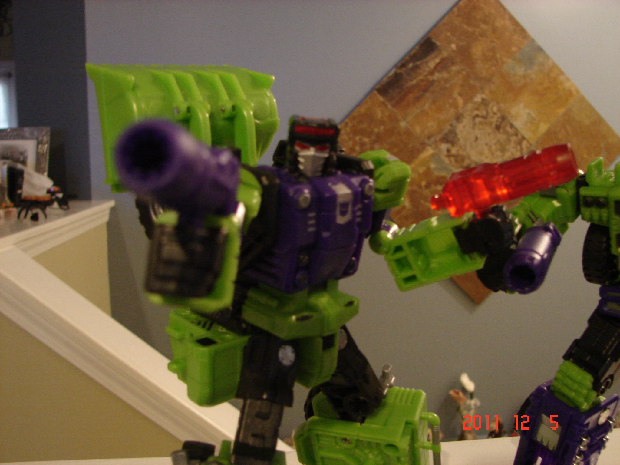 TFC Toys Structor in hand picture review!-dsc07126.jpg