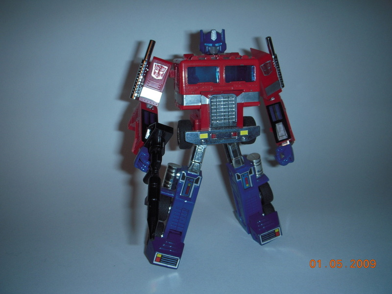 Articulated G1 Optimus Prime *updated with articulated fists 1/05/09*-dscn1324.jpg