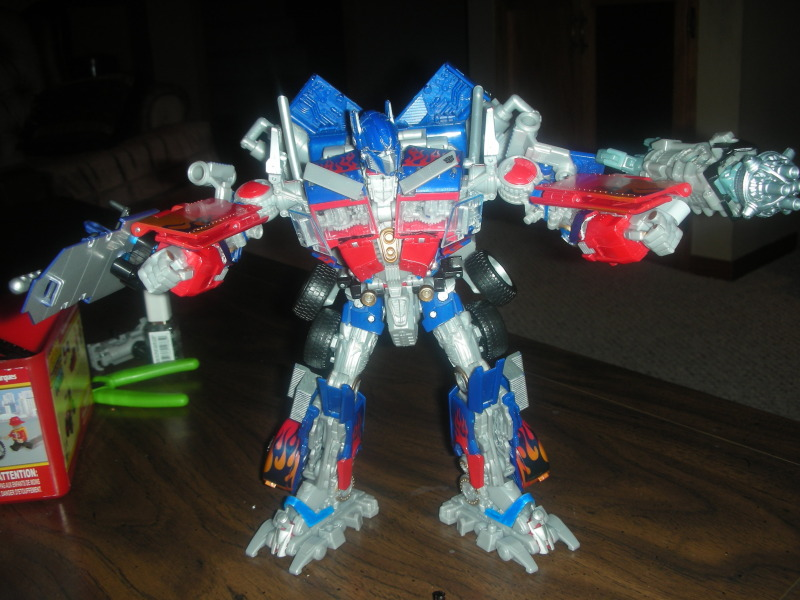 RotF Leader Optimus Prime - Enabling Removable Swords and MechTech Weaponry-dscn2143.jpg