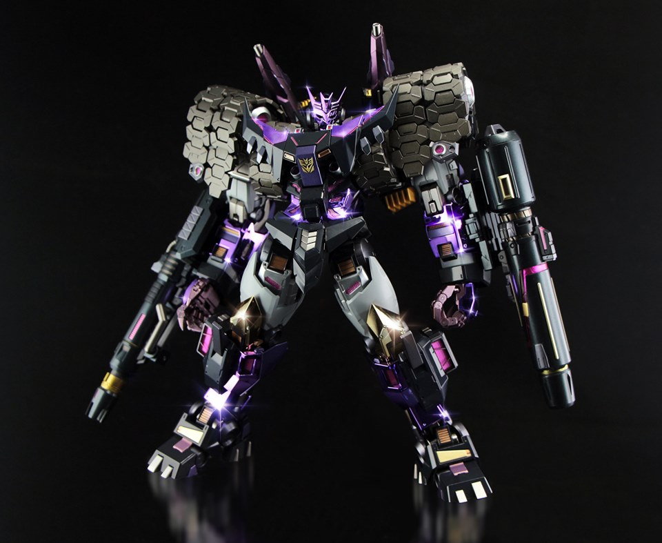 Flame Toys Tarn Burst Version-01.jpg