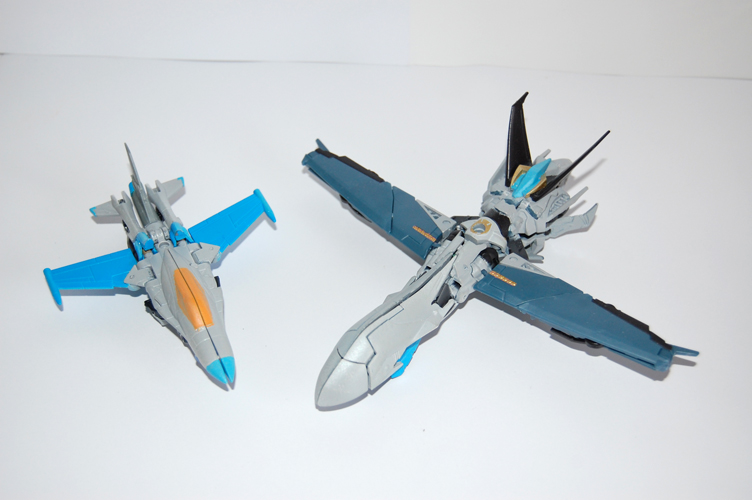 TF Prime Thunderwing Pretender (transformable!)-g1.jpg
