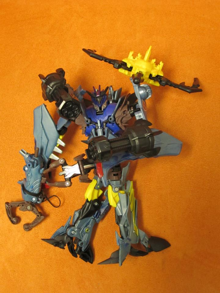 transformers Prime g1 deco Soundwave-g1-prime-soundwave-p1.jpg