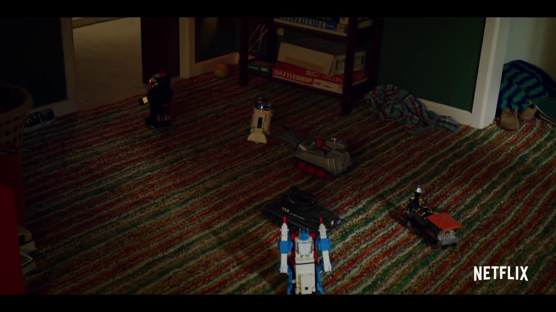 G1 Ultra Magnus In Stranger Things Trailer 00001.png