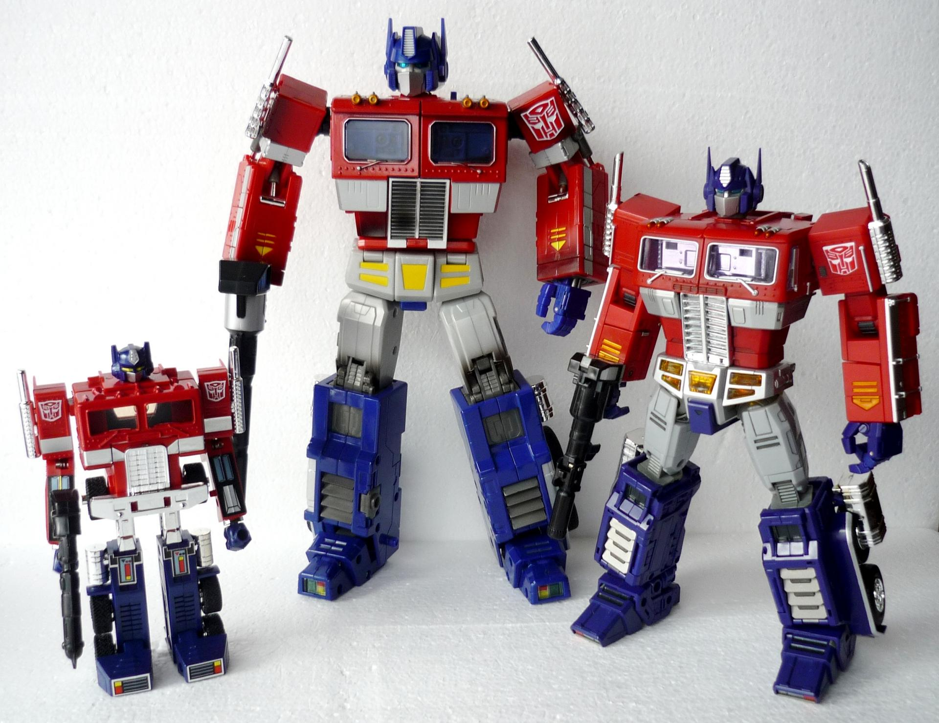 Review: Transformers Masterpiece MP-10 Convoy-g1groupshot1_sm.jpg