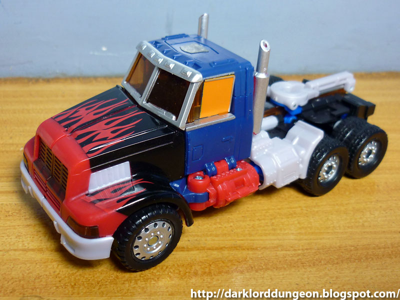 Generations G2 Laser Optimus Prime 1.jpg