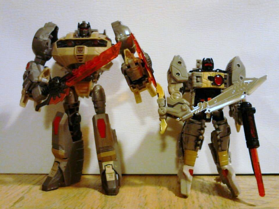 Rhode Island Transformers Sightings-grimlock-king.jpg