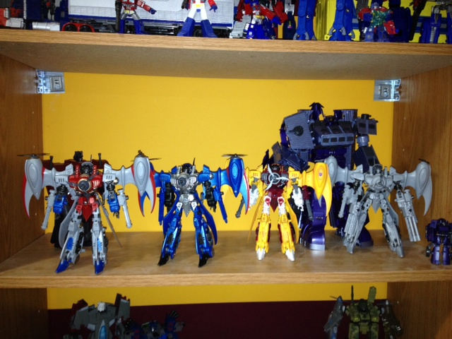 Bucket's 'Bots!-hos-shelf2.jpg