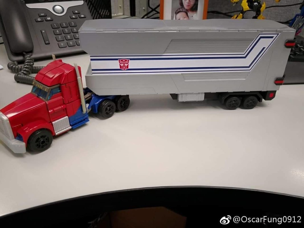 Image of GoBetter Transformers Prime Legends Class Optimus Prime Trailer (9)__scaled_800.jpg