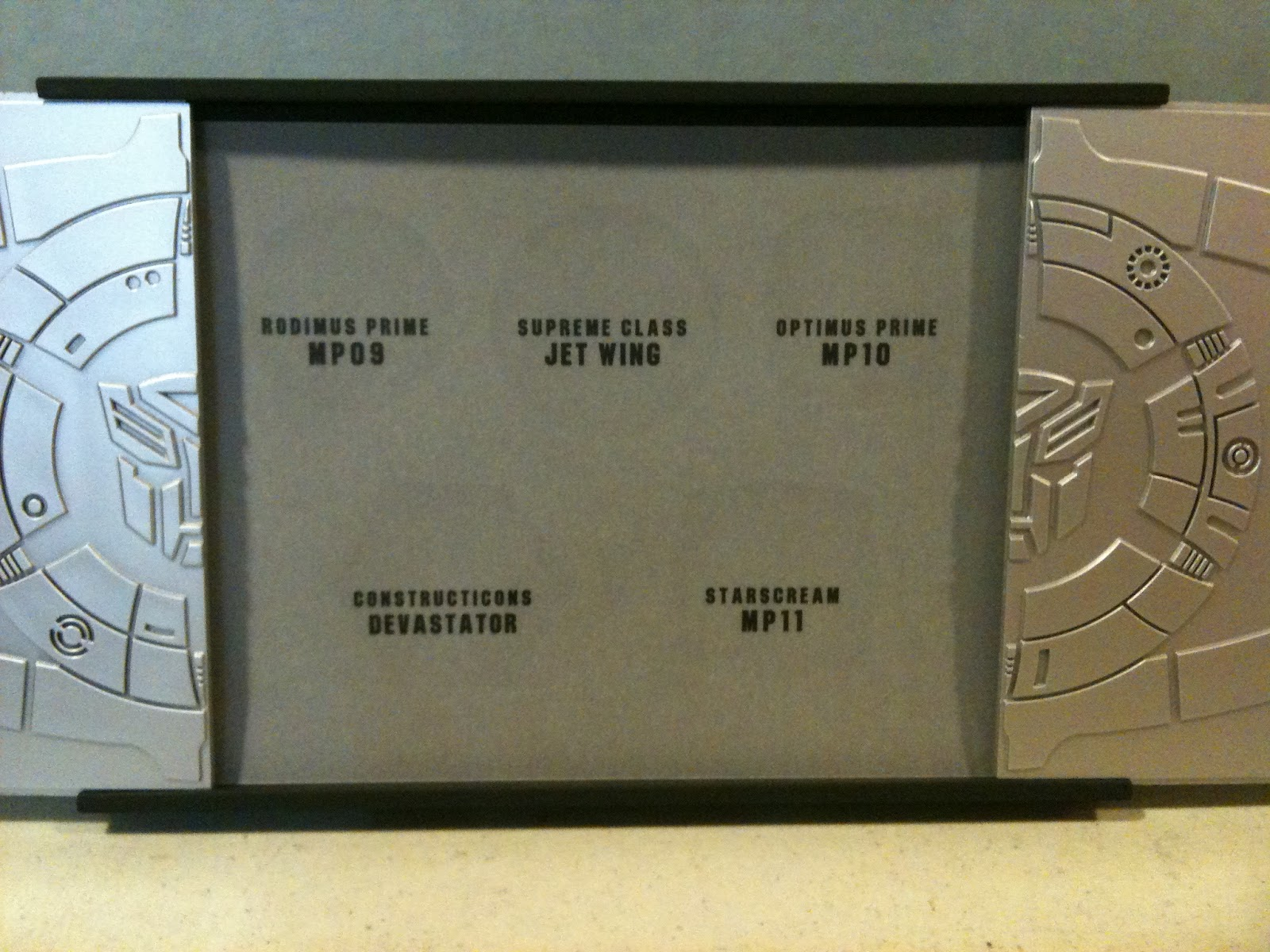 Transformers Commemorative Coin Collection Box-img_0877-1-.jpg