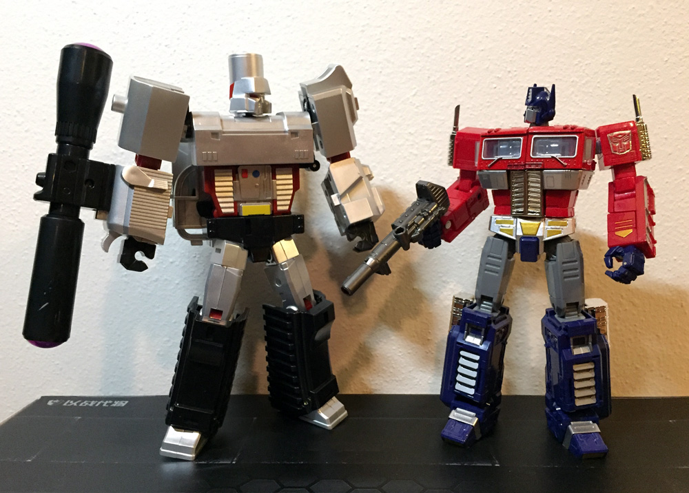 Best Voyager/Ultra Scale Optimus and Megatron | Page 3 | TFW2005 ...