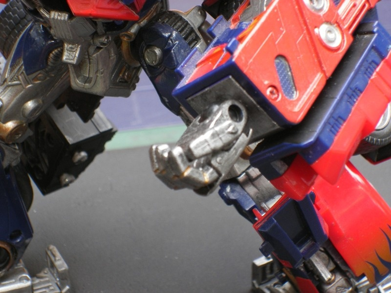 Building Movie-Accurate Hands for '07 Movie Leader Class Optimus Prime-imgp0407.jpg