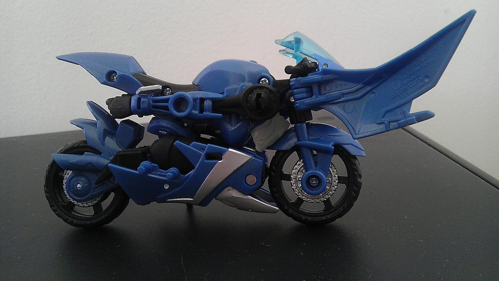 "Indigo ""Chromia homage"" for TFP RID Arcee by TECROM DESIGNS-indigo-bike-head.jpg"