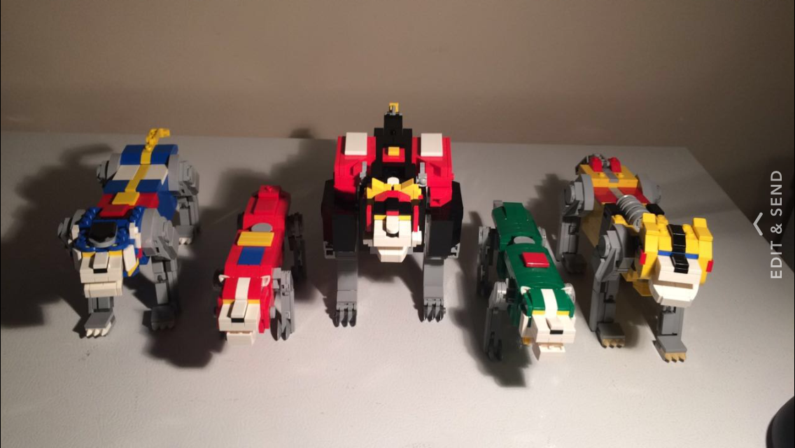 LEGO Lions Group.PNG