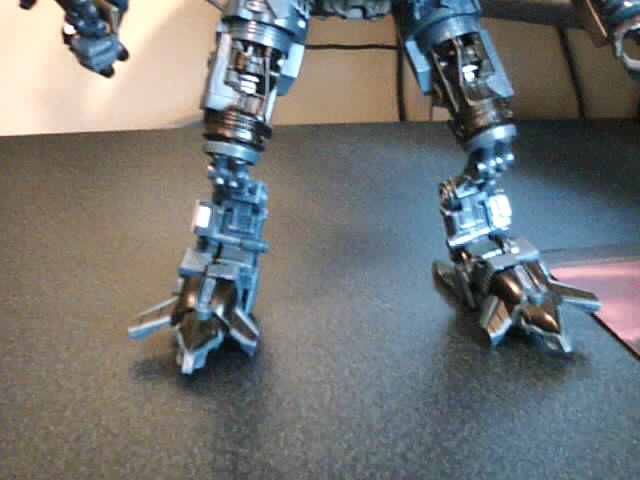 RotF Jetfire Knee Modification-legs-front.jpg