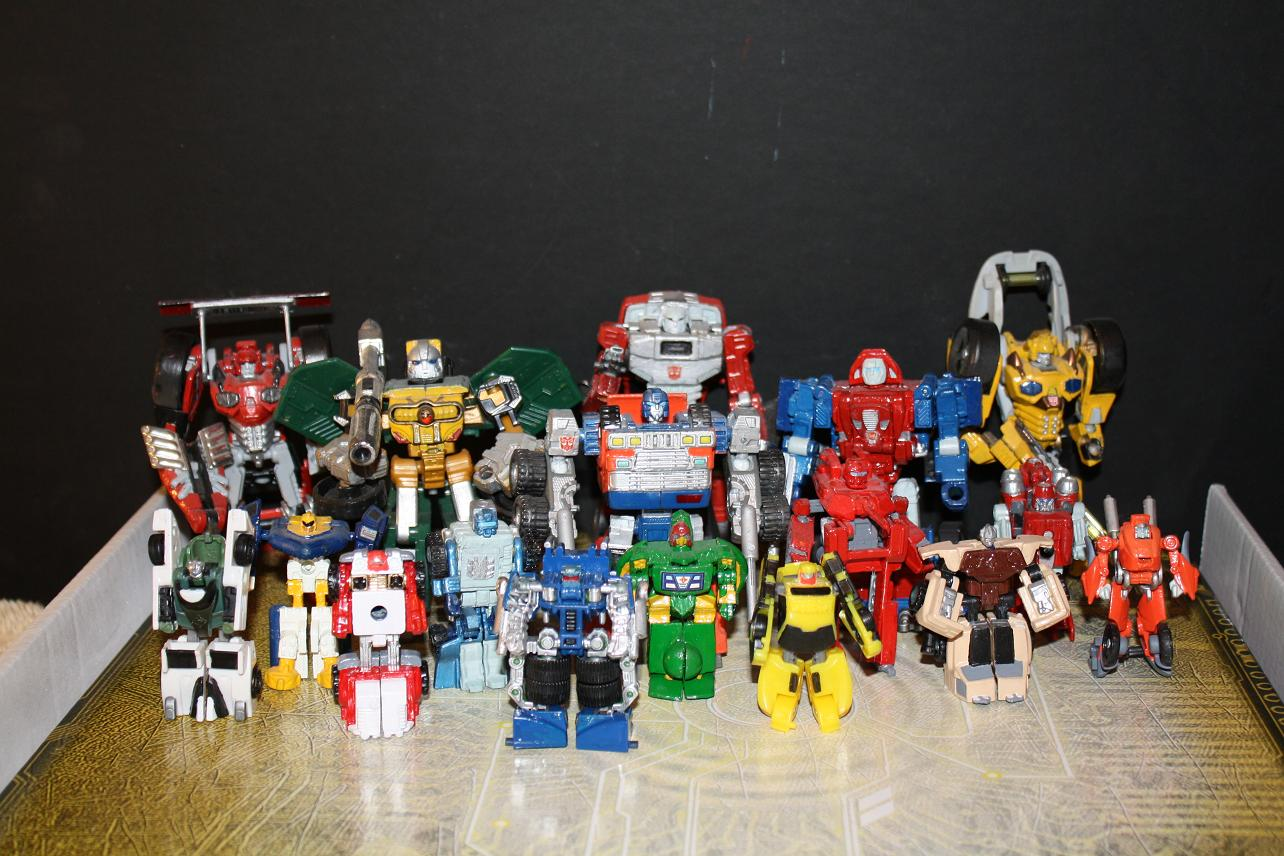 My Classics Seasons 1-3 Minibots now complete-minibots-s1-s3-group-shot.jpg
