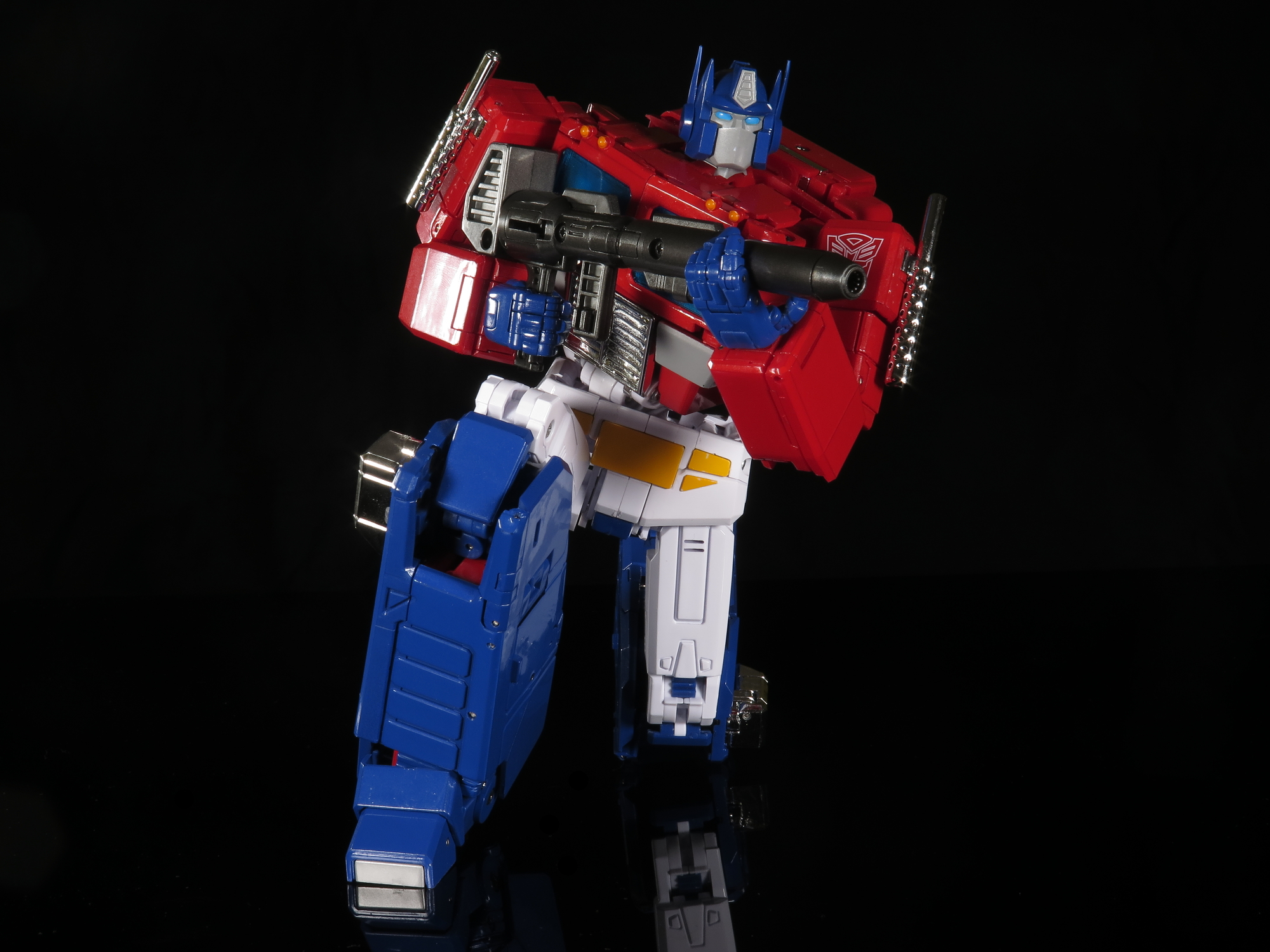 MP-44 Optimus Prime (17).JPG