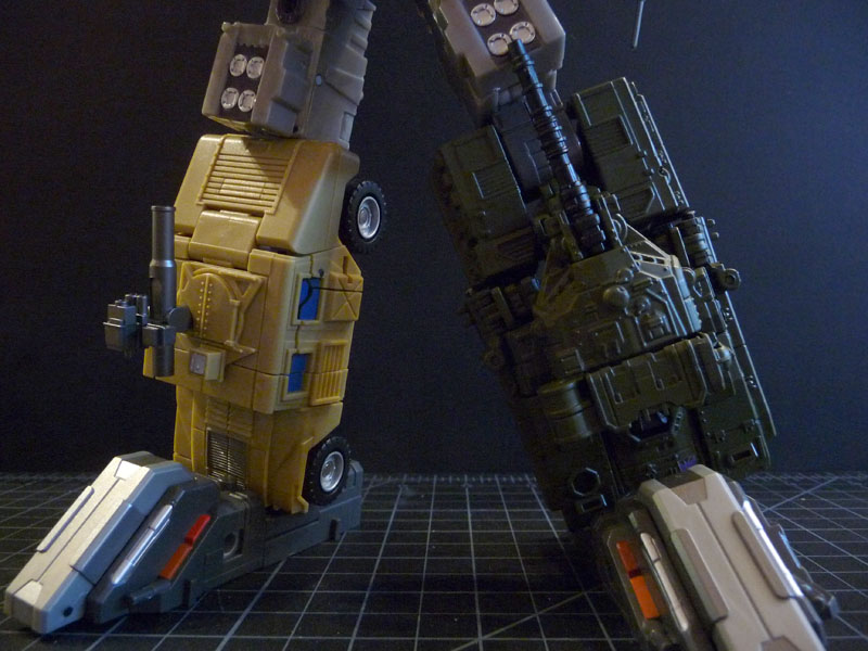 FP Bruticus Additions: Chest Shield/HeavyTread-p1020718.jpg