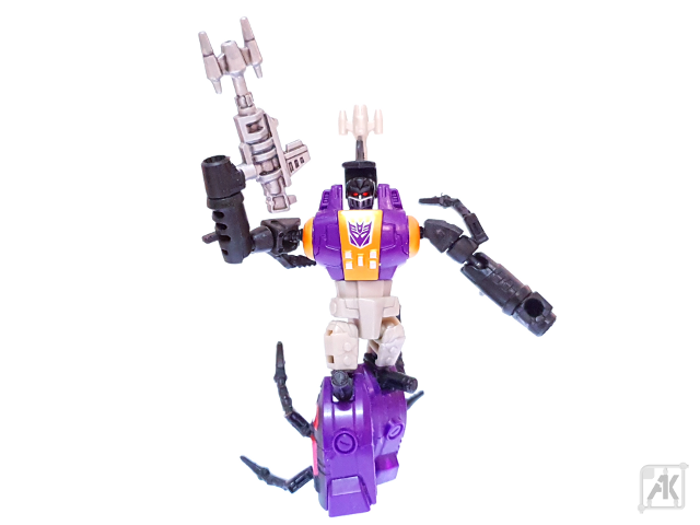 (Painted) CW Bombshell Blaster with CW Bombshell Robot Mode 14.png