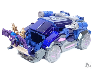 (Painted) Data Minion Bat Robot Mode with Weapons with Soundwave Vehicle Mode 1.png