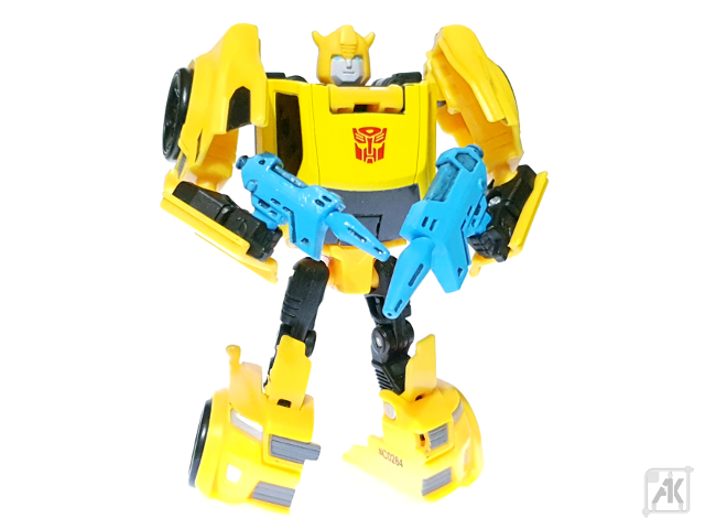 (Painted) TR Bumblebee Blaster - Size Comparison - with TR Bumblebee Robot Mode 4.png