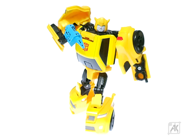 (Painted) TR Bumblebee Blaster - Small - with TR Bumblebee Robot Mode 14.png