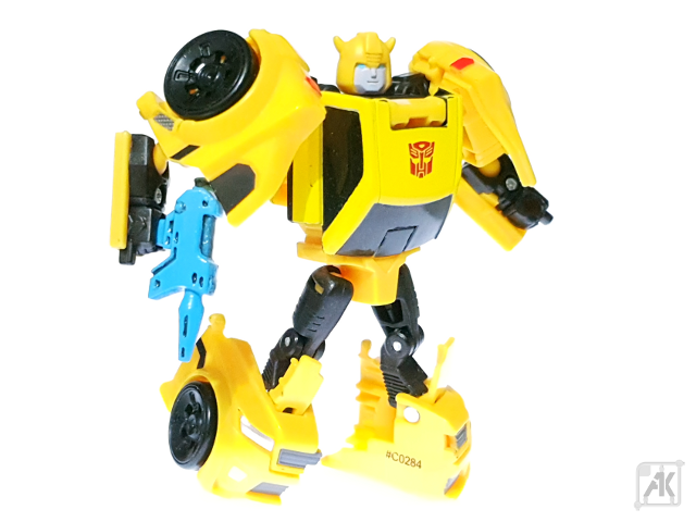 (Painted) TR Bumblebee Blaster - Small - with TR Bumblebee Robot Mode 20.png