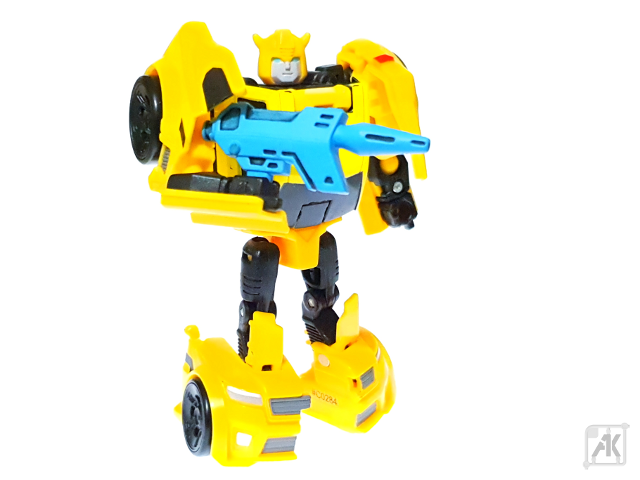(Painted) TR Bumblebee Blaster with TR Bumblebee Robot Mode 9.png