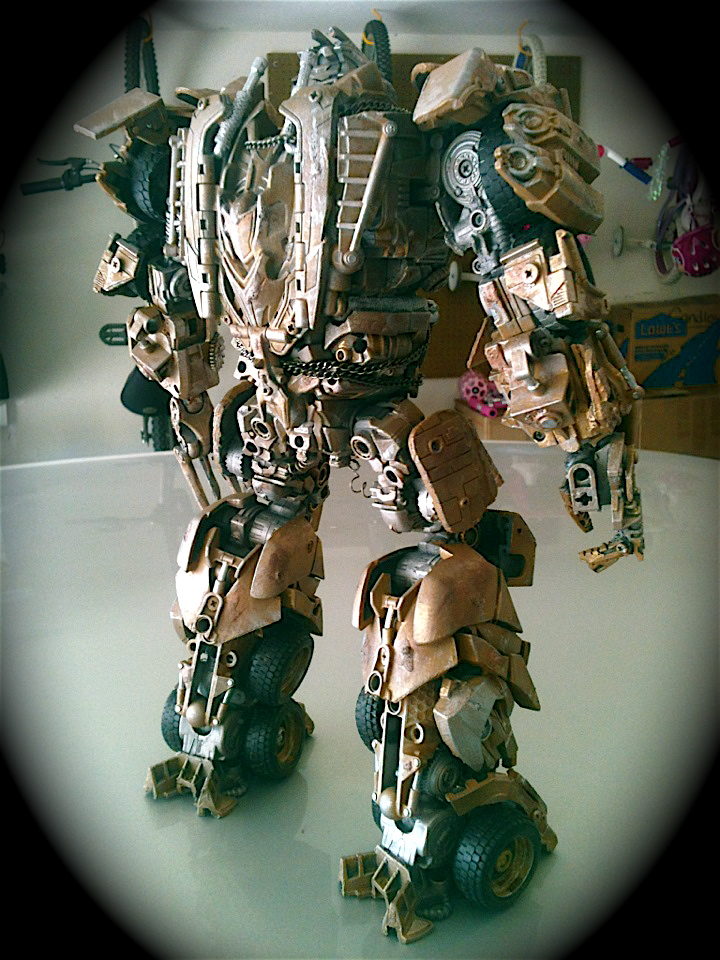 Dark of the Moon Megatron : Leader Class-photo-13.jpg
