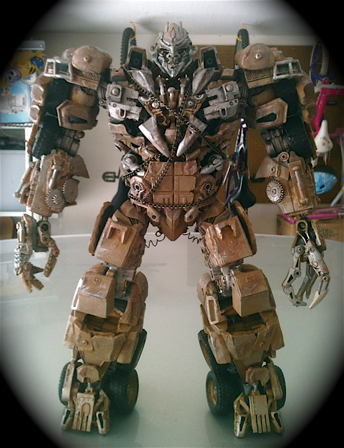 Dark of the Moon Megatron : Leader Class-photo-7.jpg