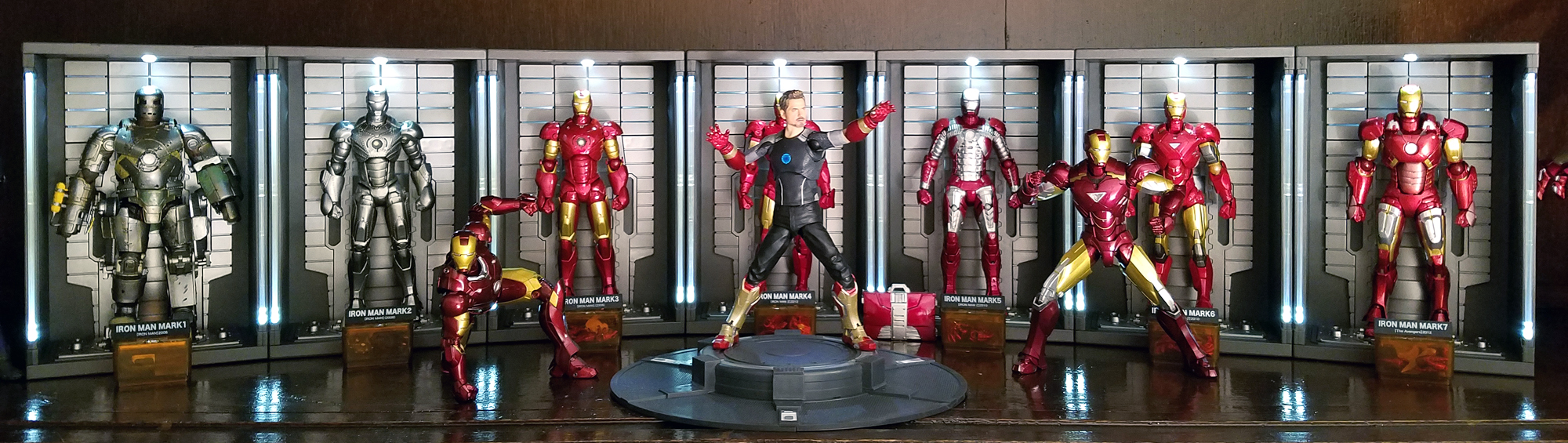 Revo_SHF_Iron_Man_-_Hall_of_Armor.jpg