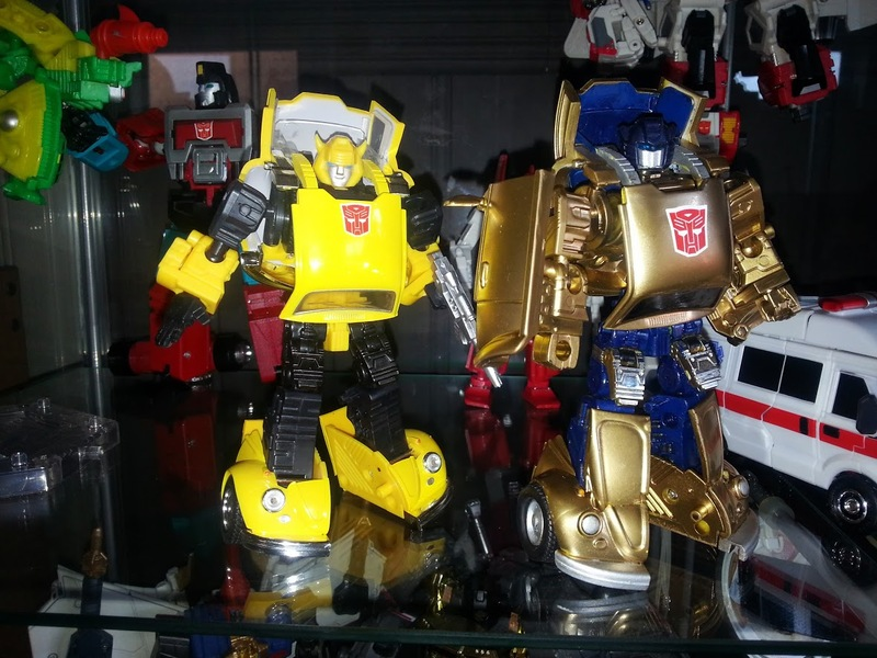 Masterpiece Goldbug-s9s4.jpg